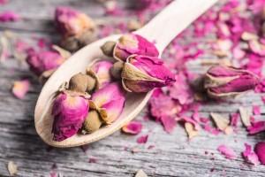 сушеные бутоны и лепестки роз