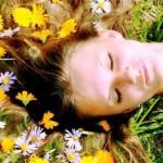 Красивые волосы с цветами календулы
