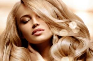 Красивые светлые волосы блондинка