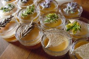 Мазь на основе масла и трав от пародонтоза